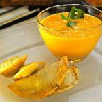 Tacos de pescado con salsa de duraznos